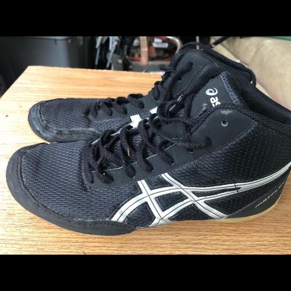 asics youth wrestling shoes size 1 75